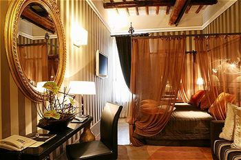 Inn At The Spanish Steps, Rome, Italy, picture 1